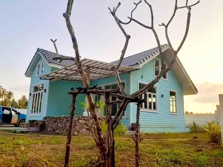 บ้านเดี่ยวห่างหาดบ้านกรูด บางสะพาน จ.ประจวบคีรีขันธ์ เนื้อที่ 58.98 ตรว.